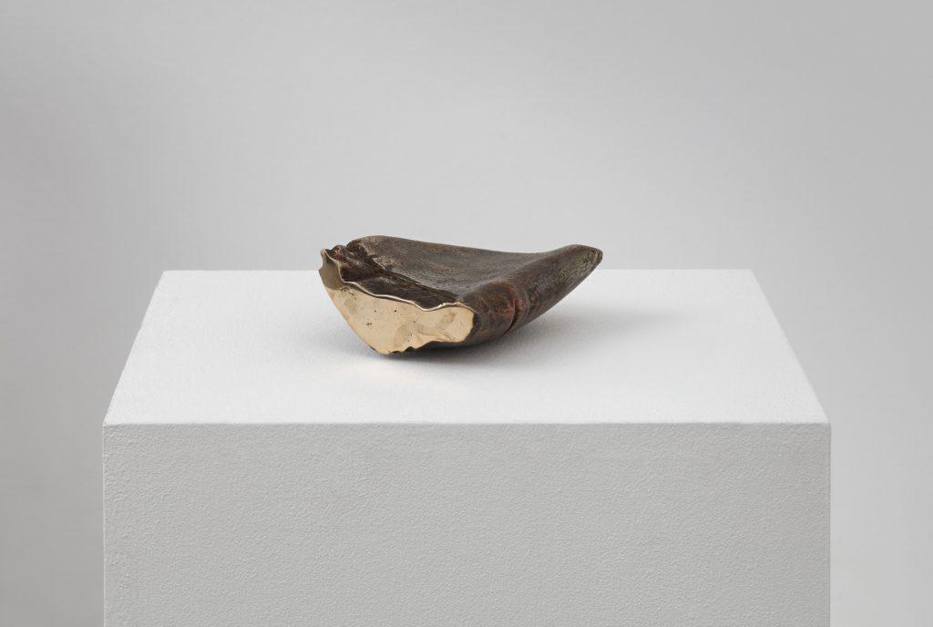 Marie Lund  Hand Full 2014  bronze 18 x 12 x 4 cm